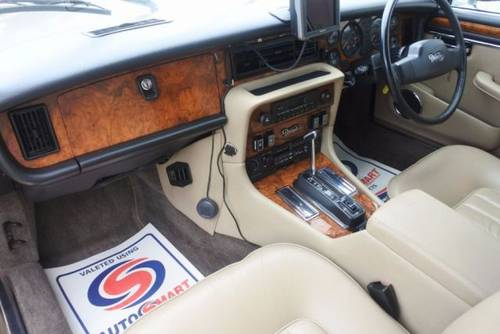 1993 DAIMLER DOUBLE SIX V12 5.3 HOT CLIMATE IMPORT RHD SOLD (picture 4 of 6)