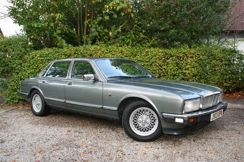 1991 DAIMLER SOVEREIGN 4.0 - XJ6 - EXCELLENT VALUE EXAMPLE SOLD (picture 1 of 6)