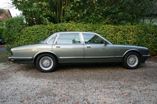 1991 DAIMLER SOVEREIGN 4.0 - XJ6 - EXCELLENT VALUE EXAMPLE SOLD (picture 3 of 6)