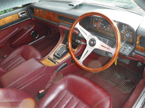 Daimler Saloon xj40 4.0 auto 4dr 1990 G REG 54K For Sale (picture 2 of 6)