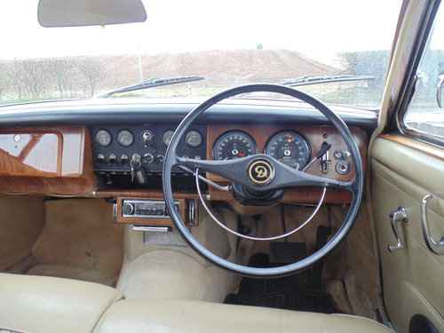 1968 Daimler V8 250 Automatic SOLD (picture 4 of 6)