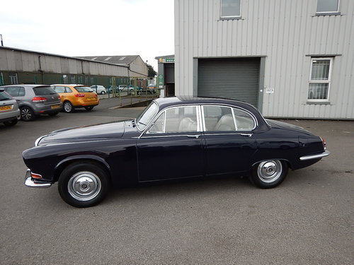 1968 DAIMLER SOVEREIGN 420 Automatic ~  SOLD (picture 1 of 6)