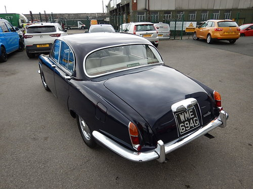 1968 DAIMLER SOVEREIGN 420 Automatic ~  SOLD (picture 4 of 6)
