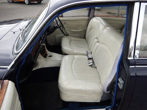 1968 DAIMLER SOVEREIGN 420 Automatic ~  SOLD (picture 5 of 6)