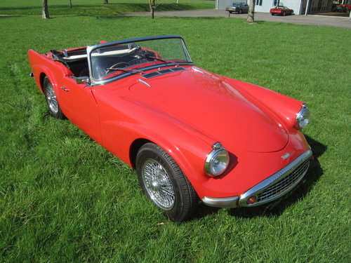 1960 Daimler Dart SP250 For Sale (picture 2 of 6)
