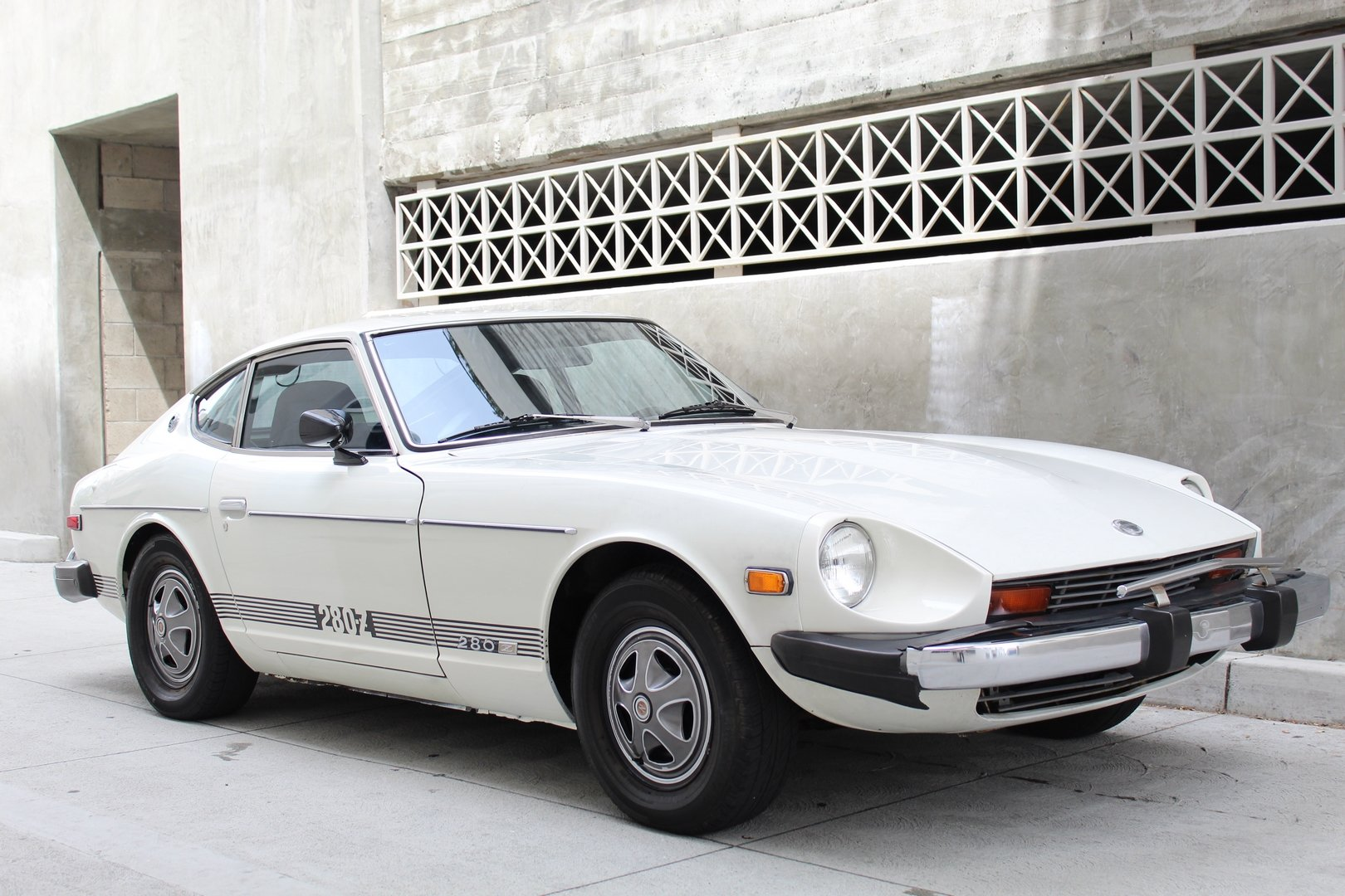 1976 DATSUN 280Z SOLD (picture 1 of 6)