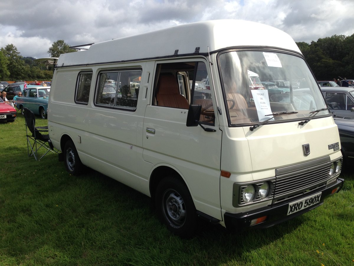 Spacious 1981 Datsun (Nissan) Urvan. Sleeps 6. For Sale (picture 2 of 6)