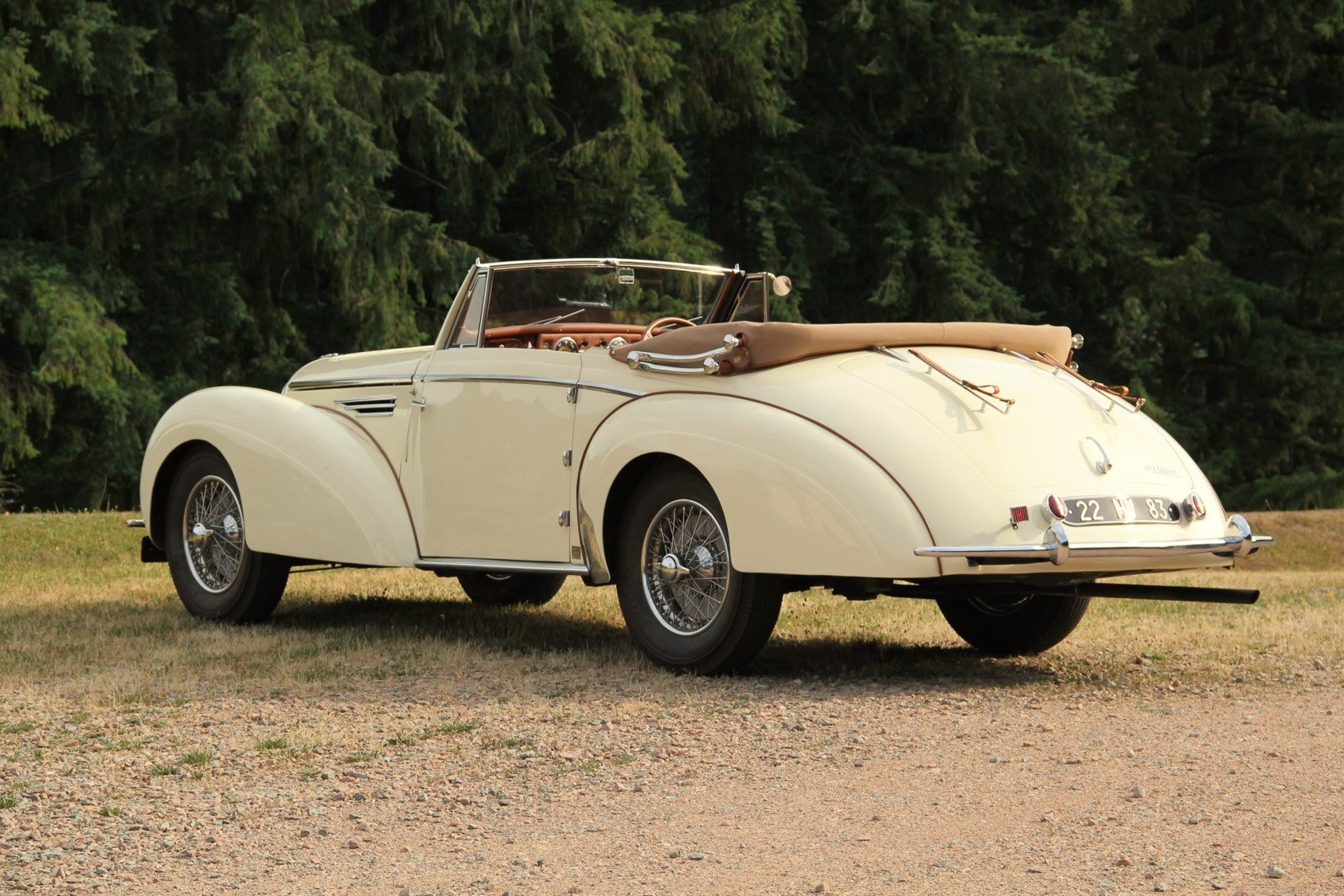 1948 Delahaye 135M Cabriolet by Henri Chapron For Sale by Auction (picture 2 of 6)