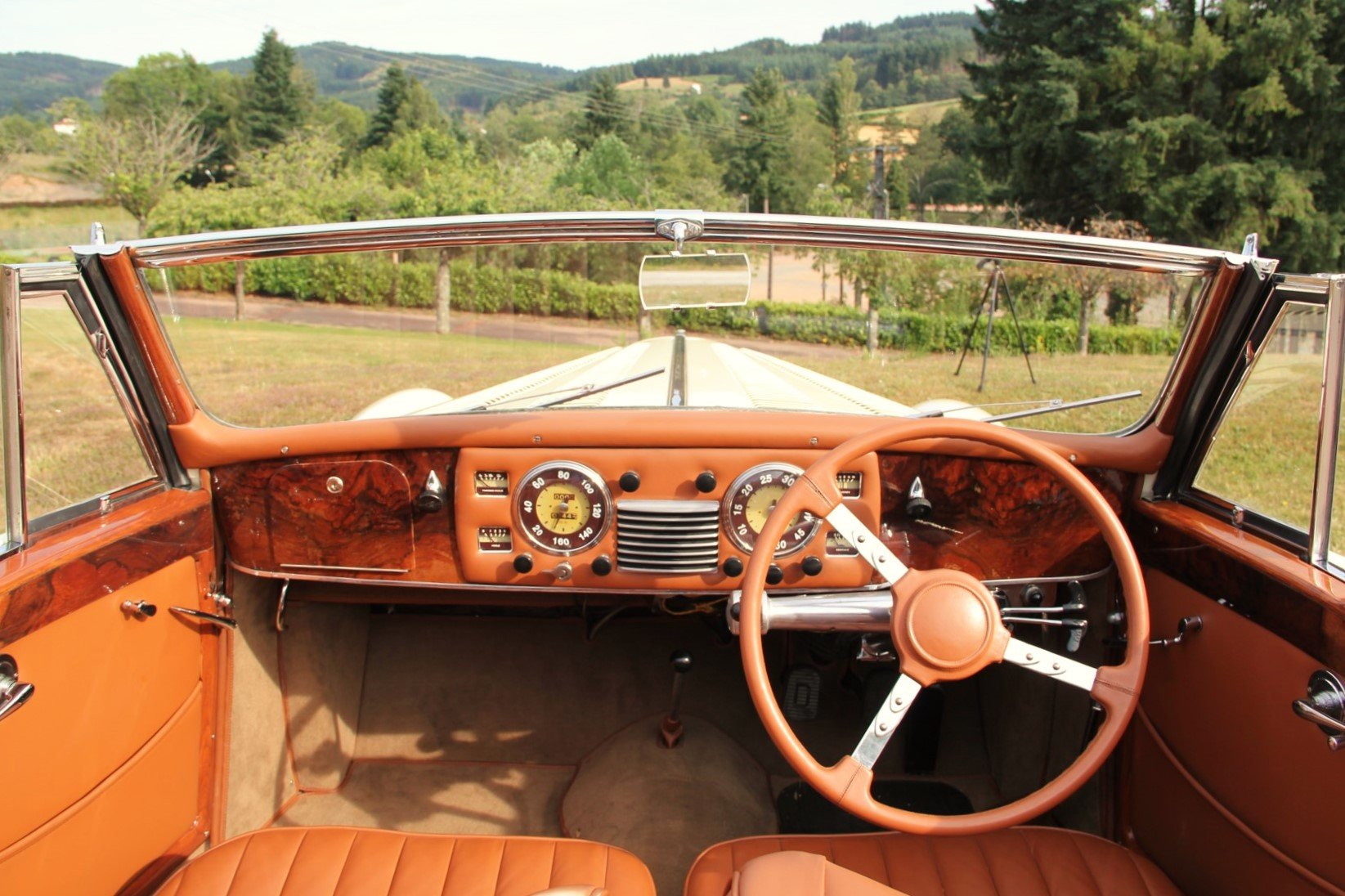 1948 Delahaye 135M Cabriolet by Henri Chapron For Sale by Auction (picture 3 of 6)