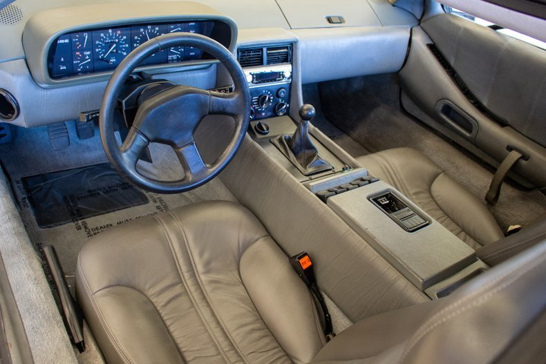 1981 DeLorean = 5 speed Manual low 36k miles Clean $49.9k For Sale (picture 4 of 6)