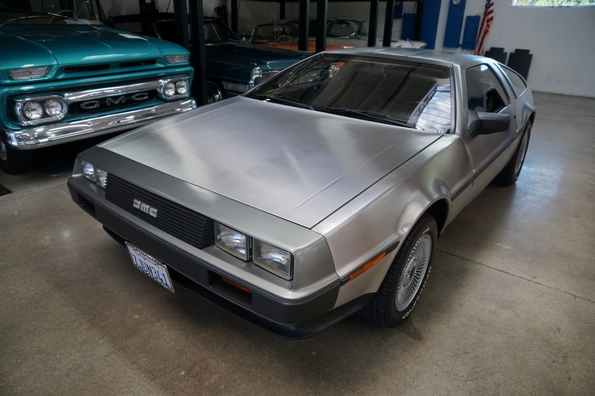 Orig Calif 1981 DeLorean Gullwing Coupe with 16K orig miles SOLD (picture 1 of 6)