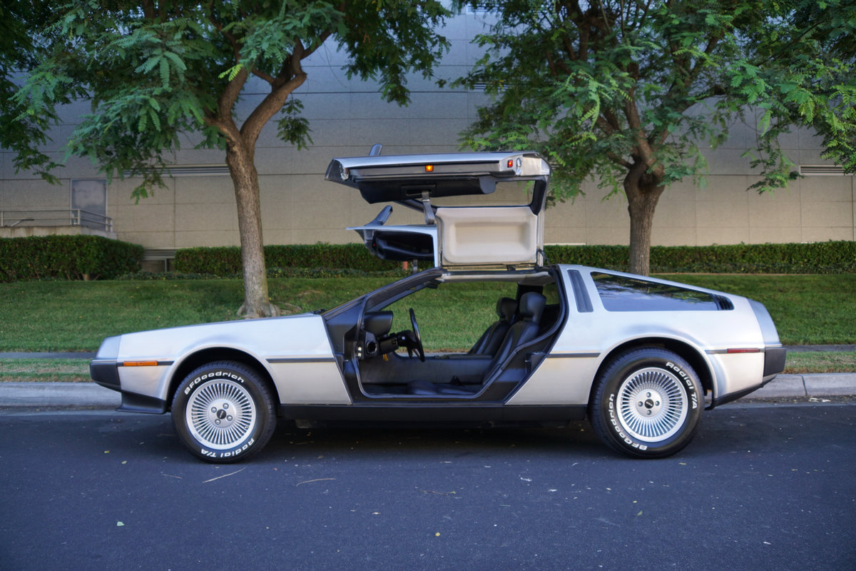 Orig Calif 1981 DeLorean Gullwing Coupe with 16K orig miles SOLD (picture 2 of 6)