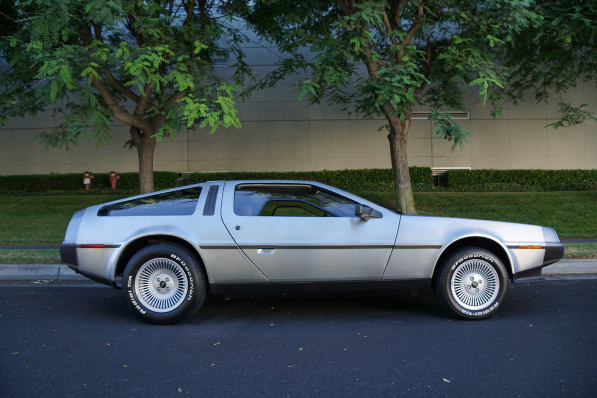 Orig Calif 1981 DeLorean Gullwing Coupe with 16K orig miles SOLD (picture 3 of 6)