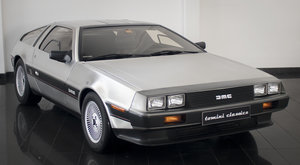 1981 DeLorean DMC-12 ()