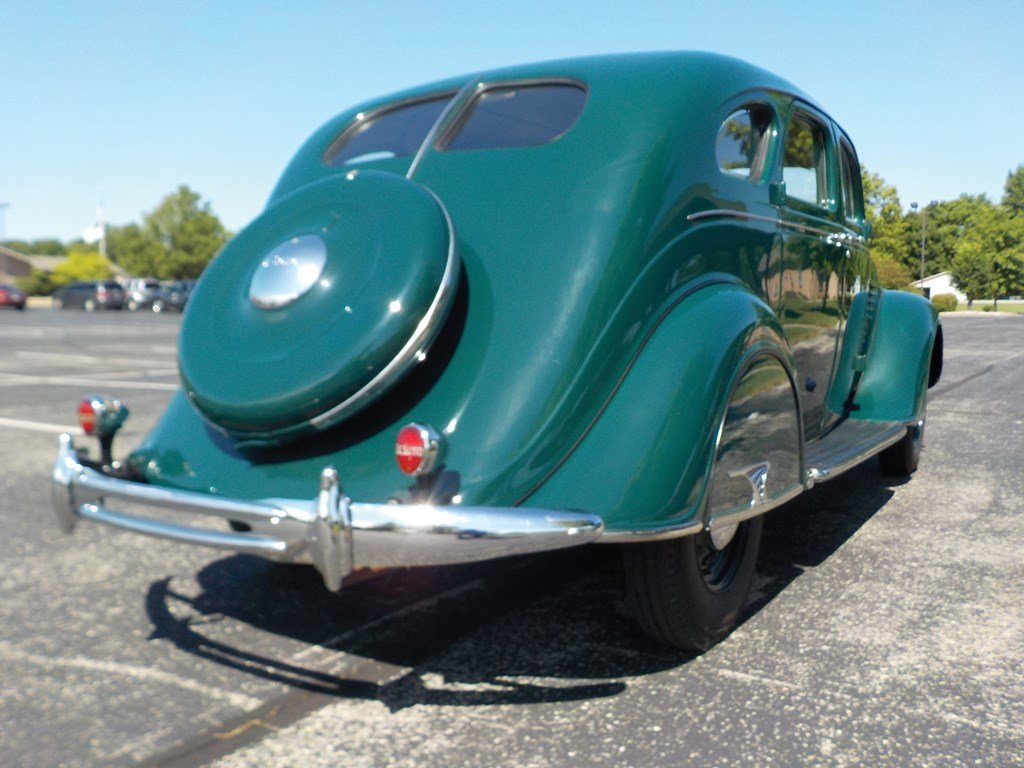 1934 DeSoto Airflow Sedan  For Sale by Auction (picture 2 of 6)