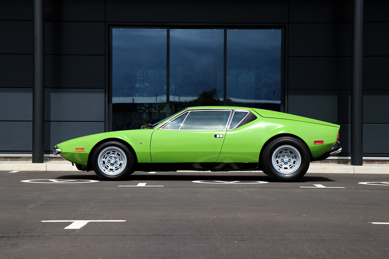 For Sale UK Fully Restored 1972 De Tomaso Pantera For Sale (picture 2 of 6)
