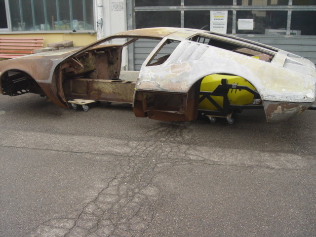 1970 De Tomaso Mangusta for resauration For Sale (picture 1 of 6)
