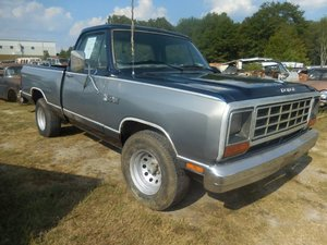 1985 1984 Dodge D150 2WD RWD strong 318 Auto New Blue Paint $7.5k