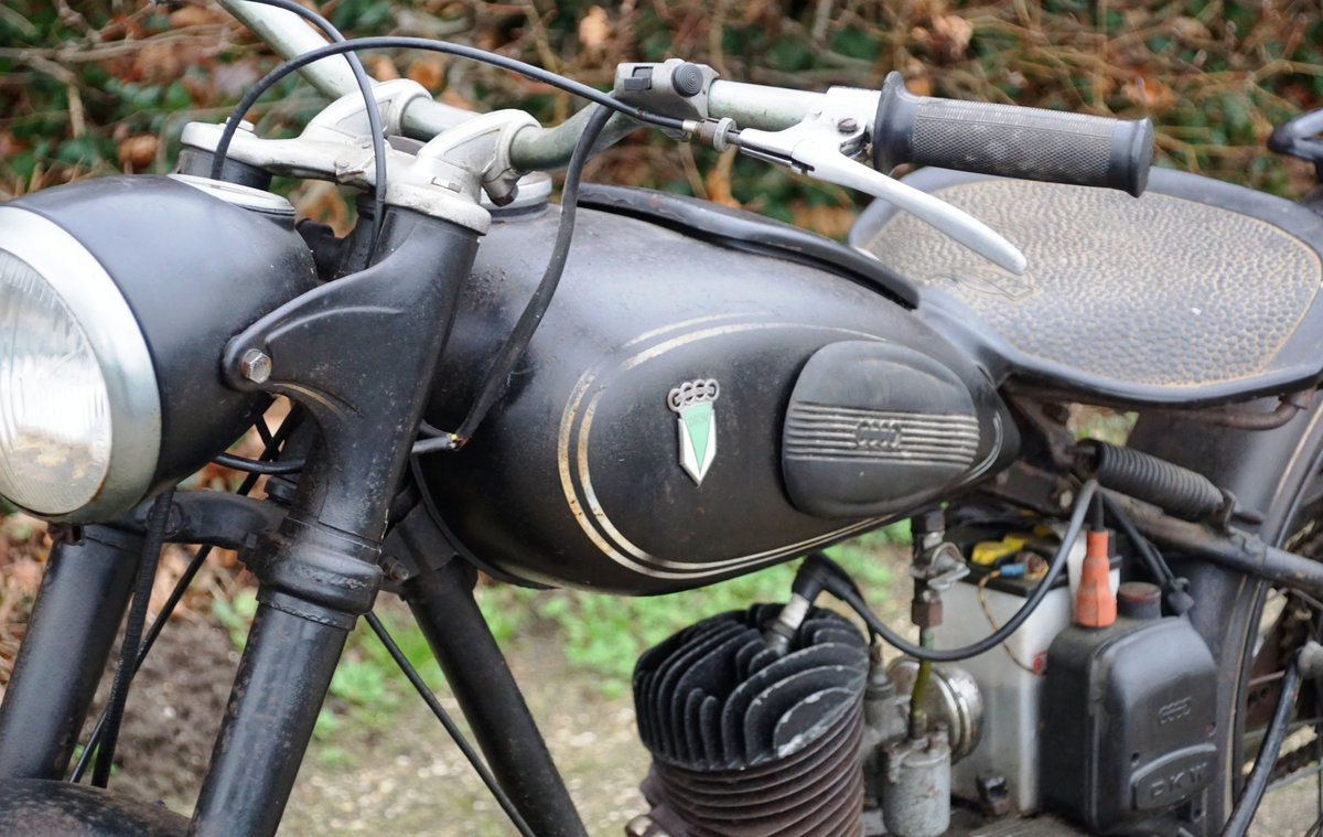DKW RT125 in fist paint 1951 with dutch registration  For Sale (picture 5 of 6)