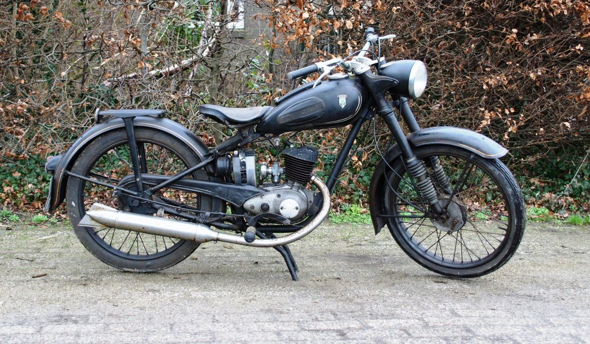 DKW RT125 in fist paint 1951 with dutch registration  For Sale (picture 6 of 6)