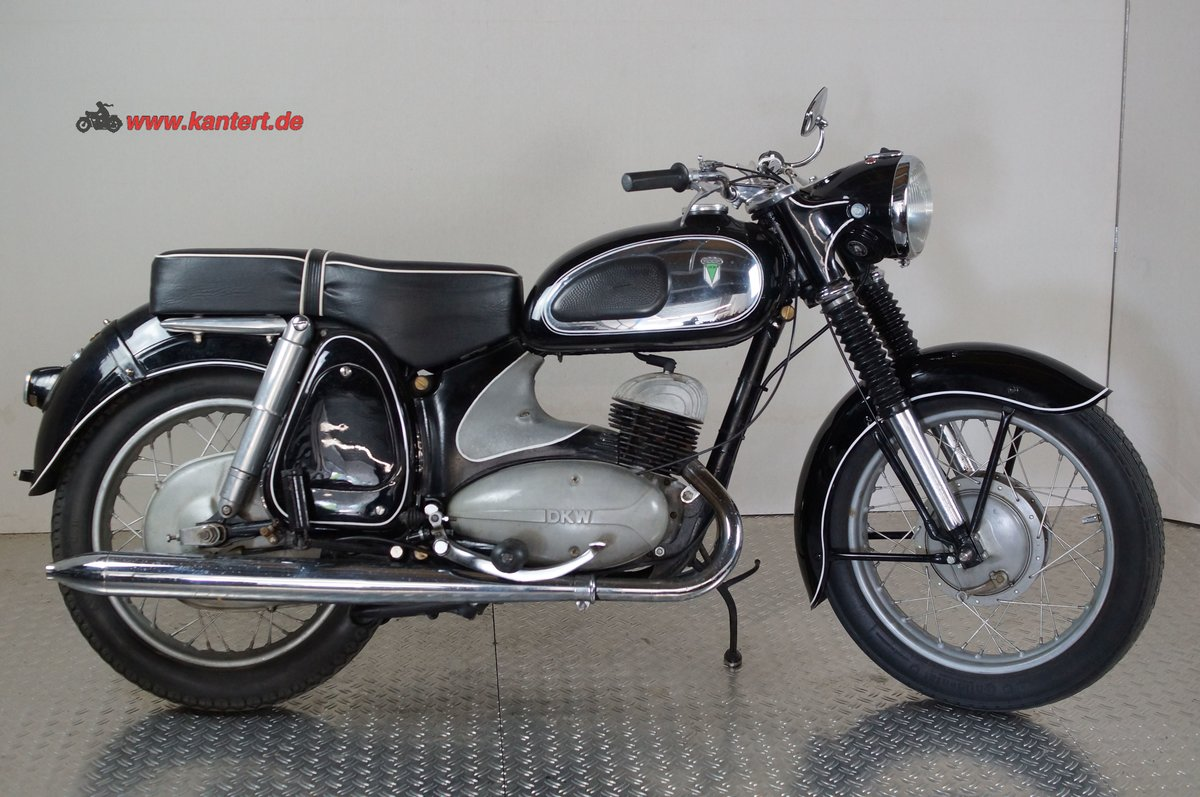 "1956 DKW RT 350 S ""the Queen of Ingolstadt"" 348 cc, 18 hp For Sale (picture 2 of 6)"