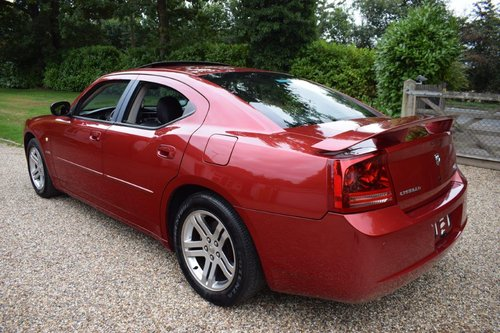2006 Dodge Charger R/T 5.7i V8 HEMI Saloon Automatic SOLD (picture 2 of 6)