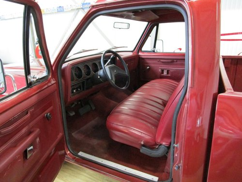 1985 Dodge D100 Costum Ram Pick Up For Sale (picture 4 of 6)