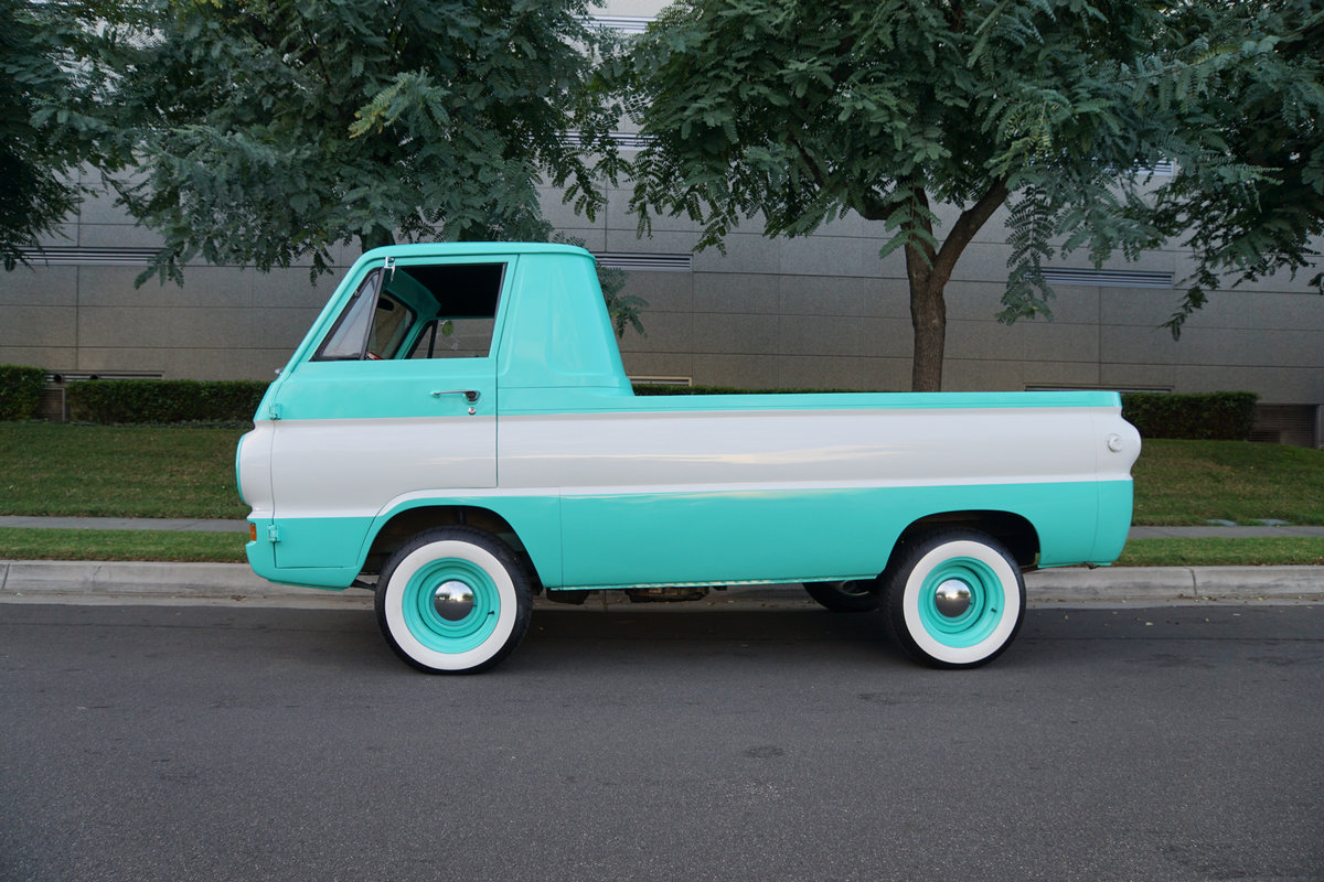 1964 Dodge A100 5.7L Hemi V8 Custom Pick Up  SOLD (picture 2 of 6)