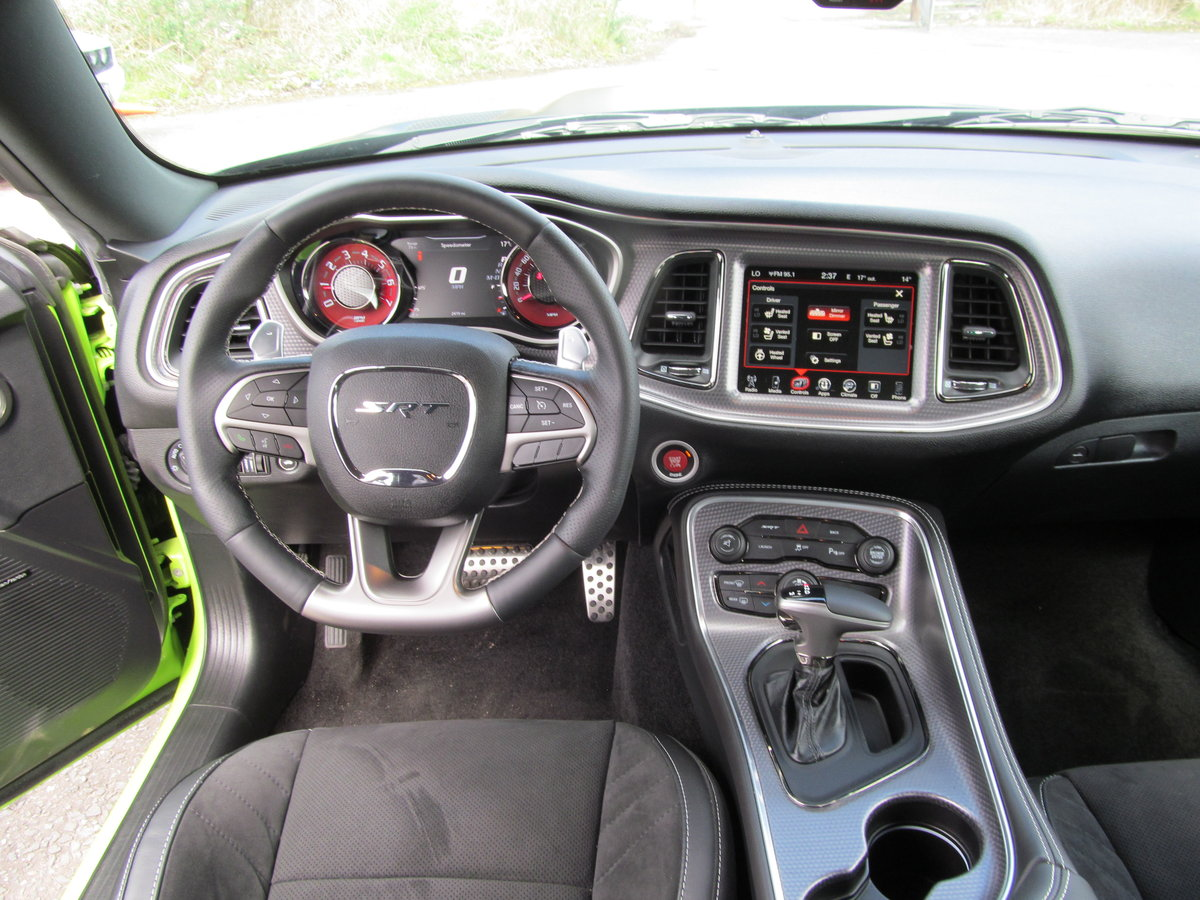 2015 Dodge Challenger 6.2L hellcat SOLD (picture 5 of 6)