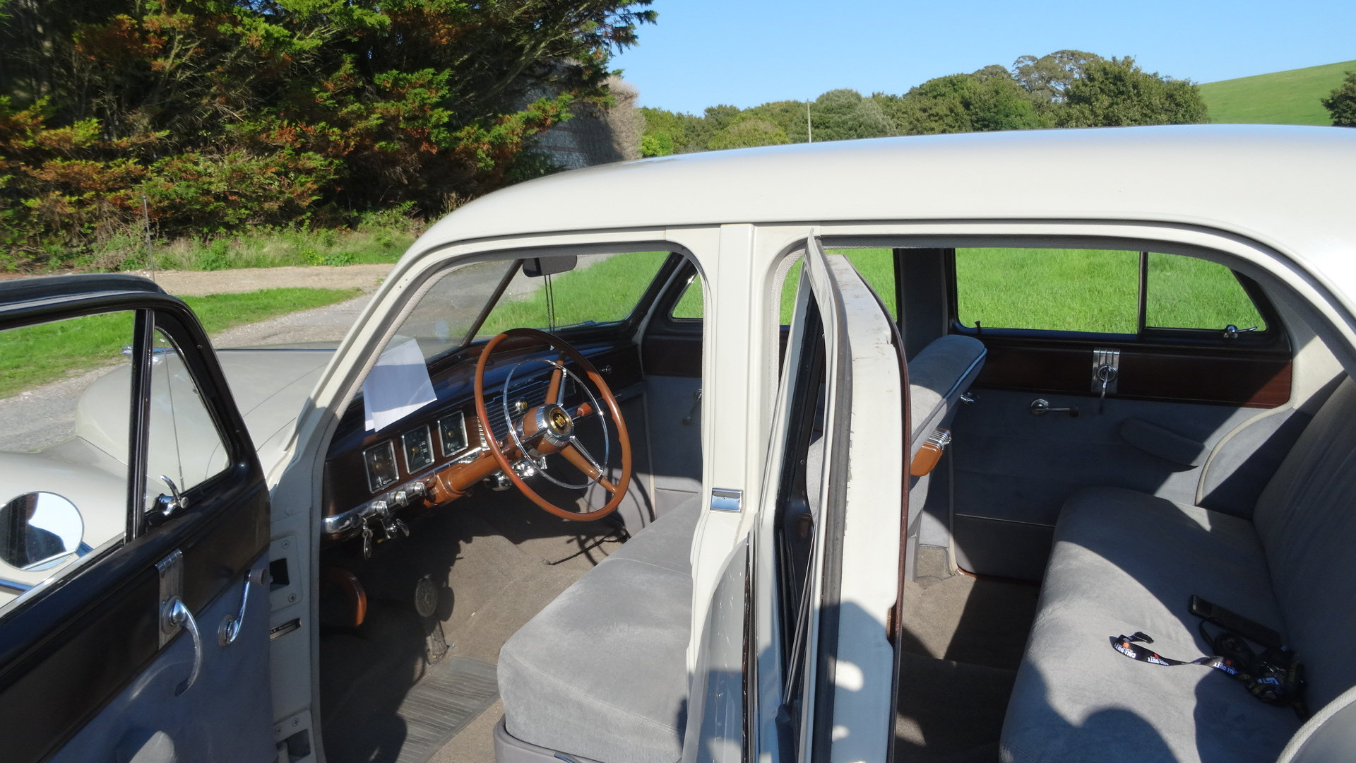 Dodge Coronet 1950 For Sale (picture 6 of 6)