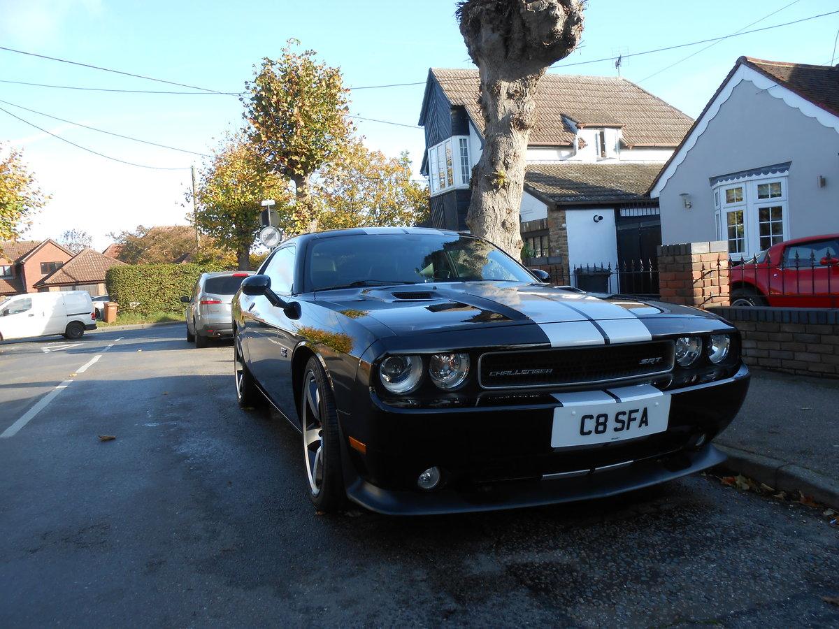 Dodge challenger 2012 SRT8 6.4 manual For Sale (picture 1 of 6)