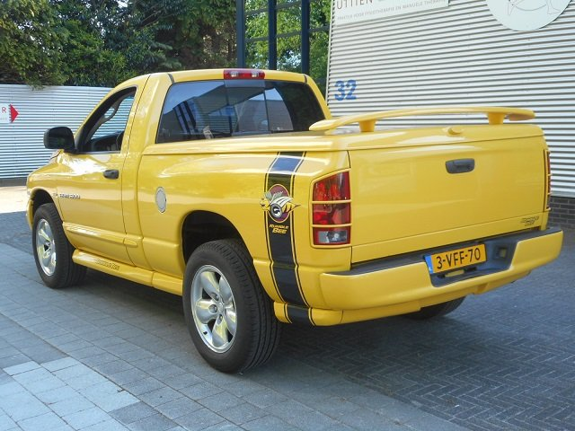 2004 DODGE PICK UP RAM 1500 4 x4 RUMBLE BEE For Sale (picture 2 of 6)