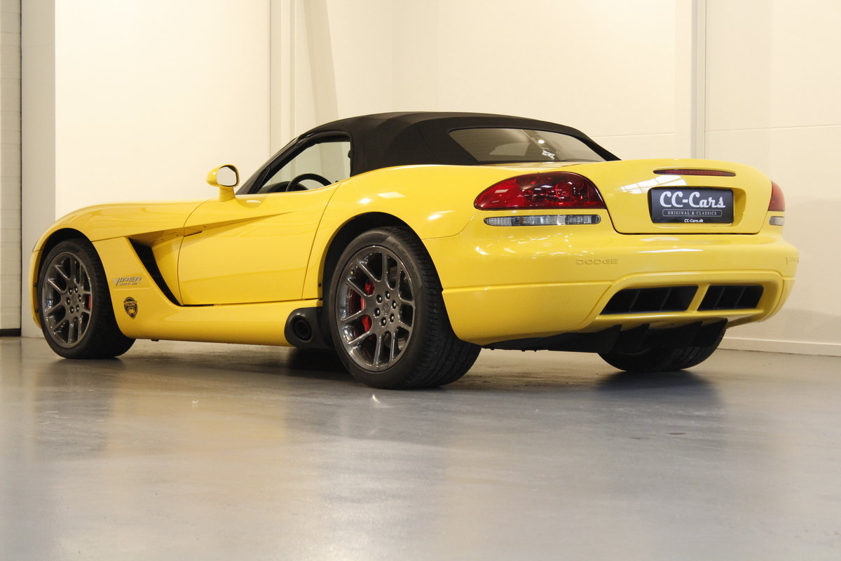 2005 Dodge Viper SRT-10 Convertible For Sale (picture 2 of 6)