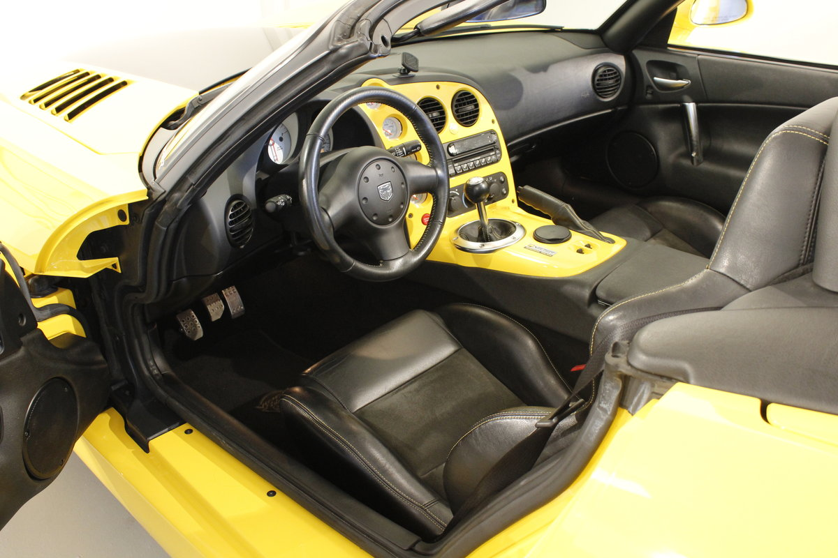 2005 Dodge Viper SRT-10 Convertible For Sale (picture 4 of 6)
