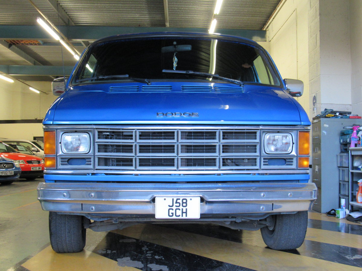 1991 Dodge Ram b2500 custom pannel van For Sale (picture 1 of 6)