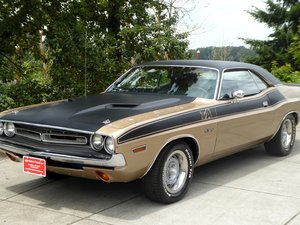 1971 Dodge Challenger = fast 440 V-8 + Manual Trans $39.5k For Sale