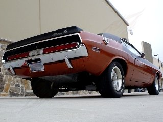 1970 Dodge Challenger T/A = 340 V8-6 Pack 4 speed $84.9k For Sale (picture 3 of 6)