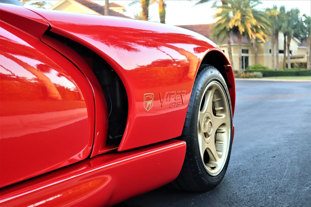 1997 Viper GTS - Sparkle Gold (1 of 7 ever made) For Sale (picture 1 of 6)