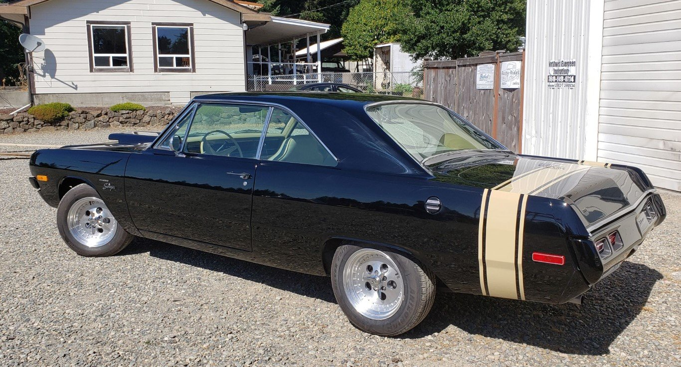 1972 Dodge Dart Swinger - Lot 672 For Sale by Auction (picture 2 of 5)