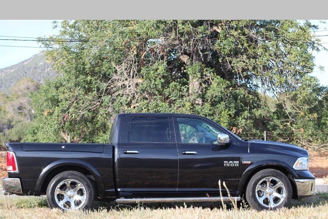 2018 Dodge Ram 1500 Laramie - Hemi V8 -Only 8,700 miles For Sale (picture 4 of 6)