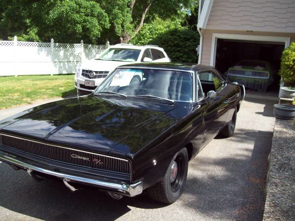 1968 Dodge Charger R/T Clone Full Restored 440 Manual $75k For Sale (picture 1 of 6)