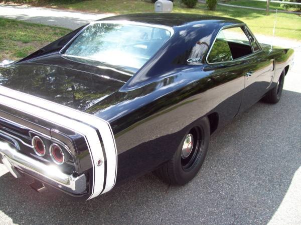 1968 Dodge Charger R/T Clone Full Restored 440 Manual $75k For Sale (picture 2 of 6)