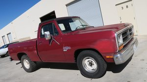 1987 Dodge Ram 1500 SHORT BED 318 V8 4 Speed Dry $3.9k