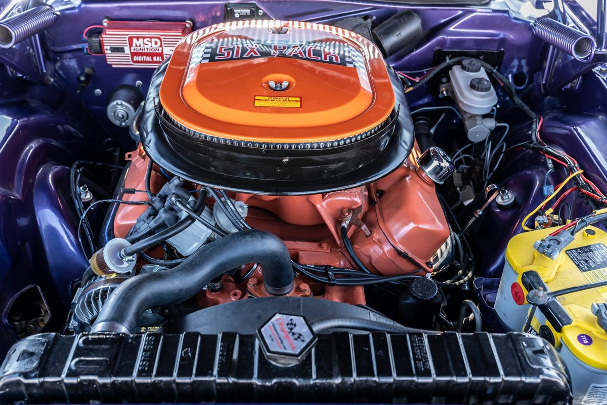 1970 Dodge Challenger R/T Numbers matching 440 Sixpack Plum  For Sale (picture 5 of 6)