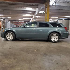 2005 Dodge Magnum SE 5 Door Wagon 2.7L V6 Teal $3.9k For Sale