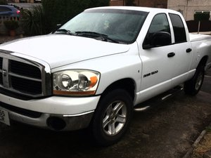 Dodge Ram 1500 SLT (needs attention)