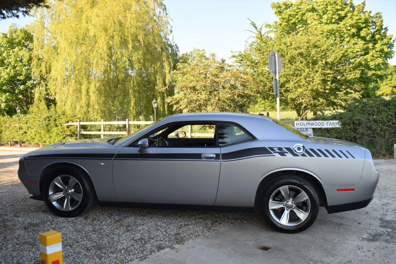 2016 Dodge Challenger SXT 305 8-Speed Automatic For Sale (picture 4 of 6)