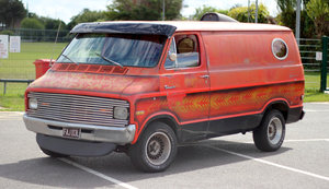 Dodge B100 Tradesman Shorty Van (318)