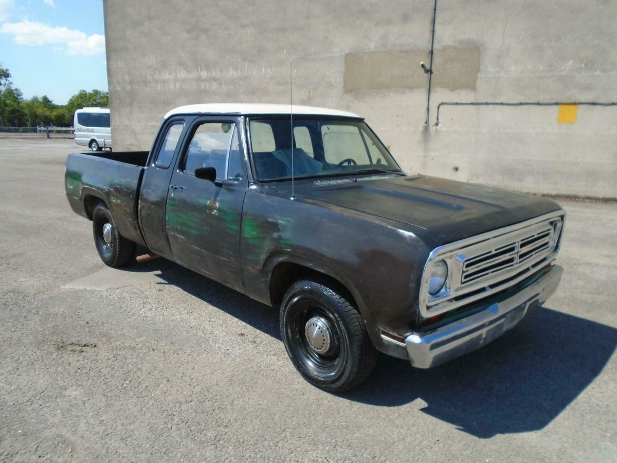 1973 DODGE D100 5.2 V8 AUTO CLUB CAB LHD RAT LOOK PICK UP  SOLD (picture 1 of 6)