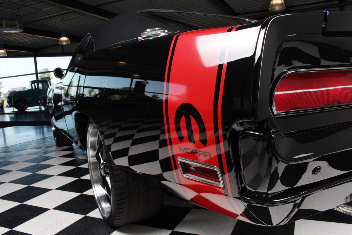 1970 Charger Bigblock tripple black rottiserie restored ! For Sale (picture 4 of 6)